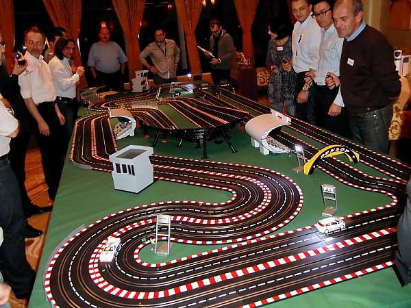 Vermietung Carrera Rennbahn Verleih Bis 30 M Laenge Jetzt Mieten